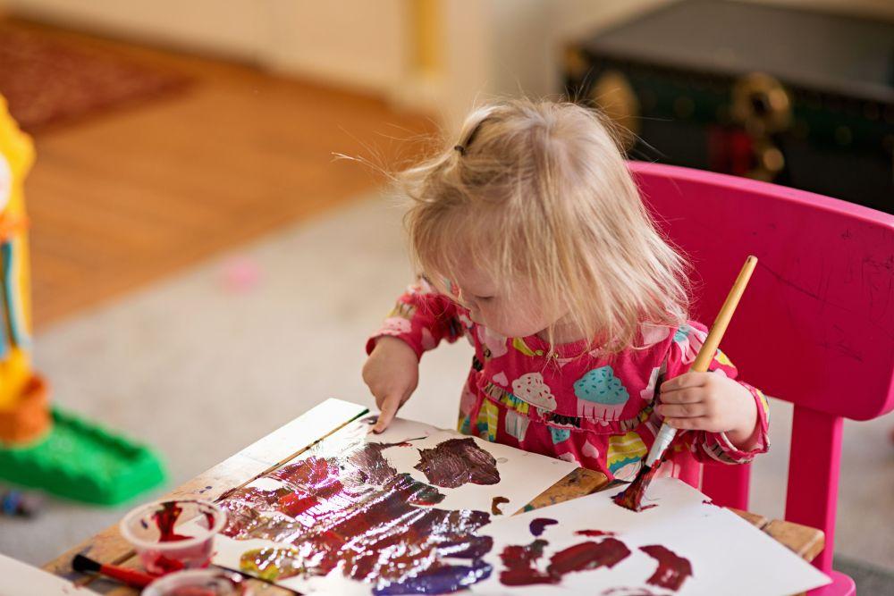 bambini pittura.jpg
