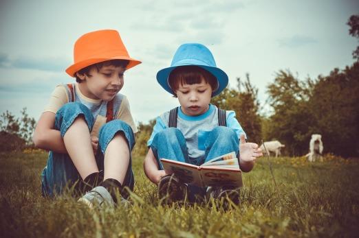 two-boys-3396713_1280.jpg