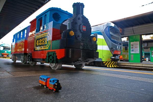 treno-lego-1.600
